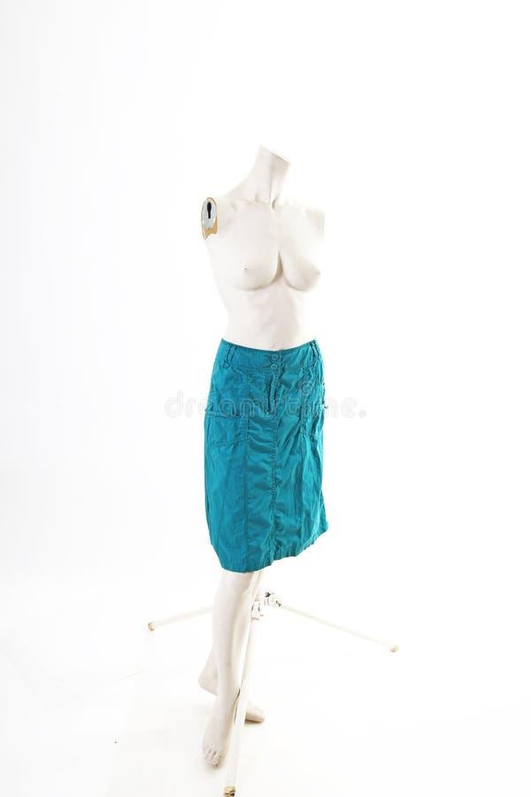 Rosa azul del negro de la falda en la exhibición completa del body shop del maniquí Estilos de la moda de la mujer, ropa en el fo imagen de archivo libre de regalías