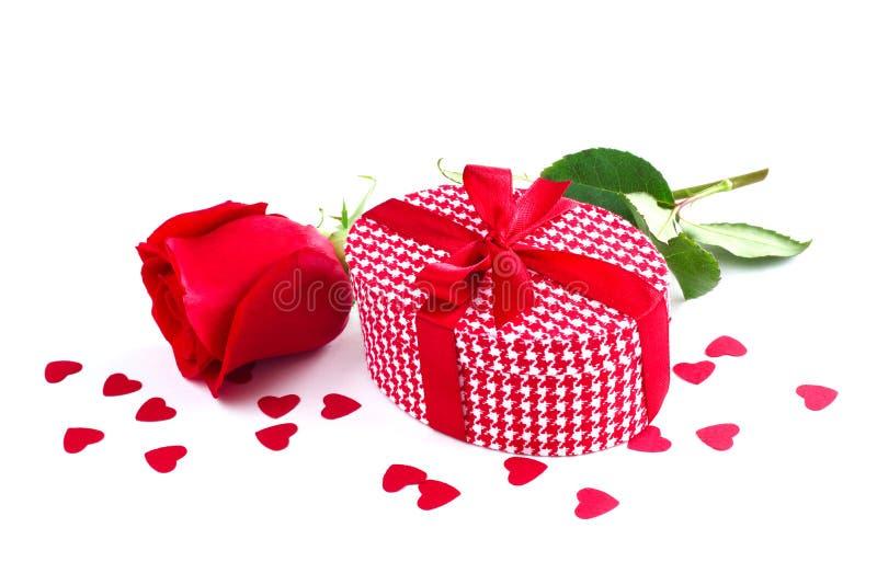 Rosa e regalo immagini stock