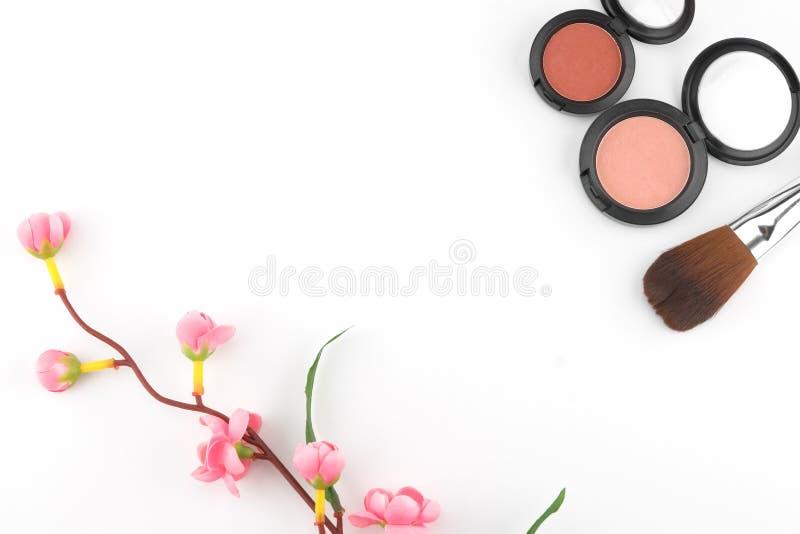Rosa färger och den orange rodnaden som dekoreras med, fejkar rosa färgblomman arkivfoton