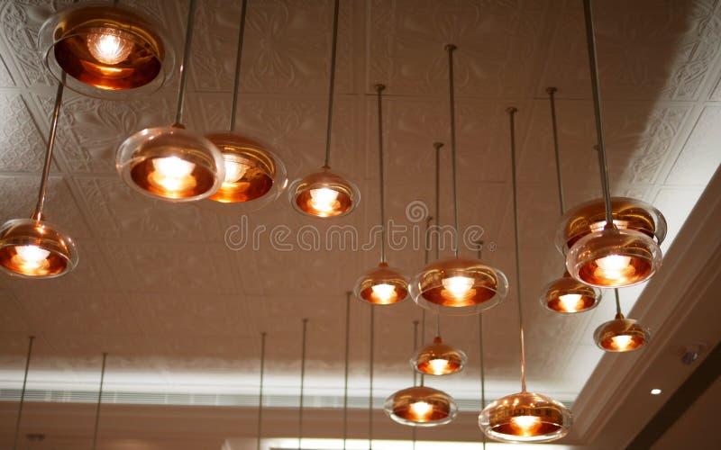Rosa guld- lampa royaltyfri bild