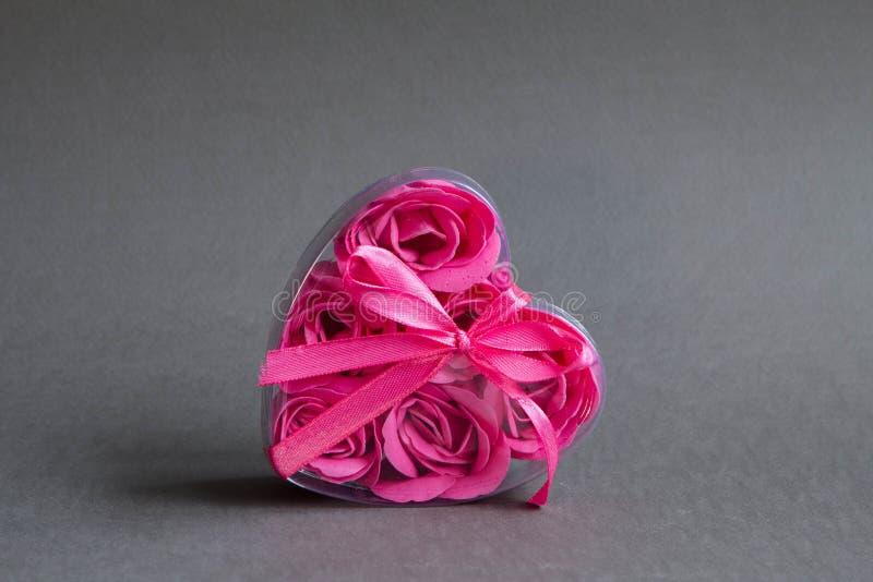 Rosa Herz lizenzfreie stockbilder