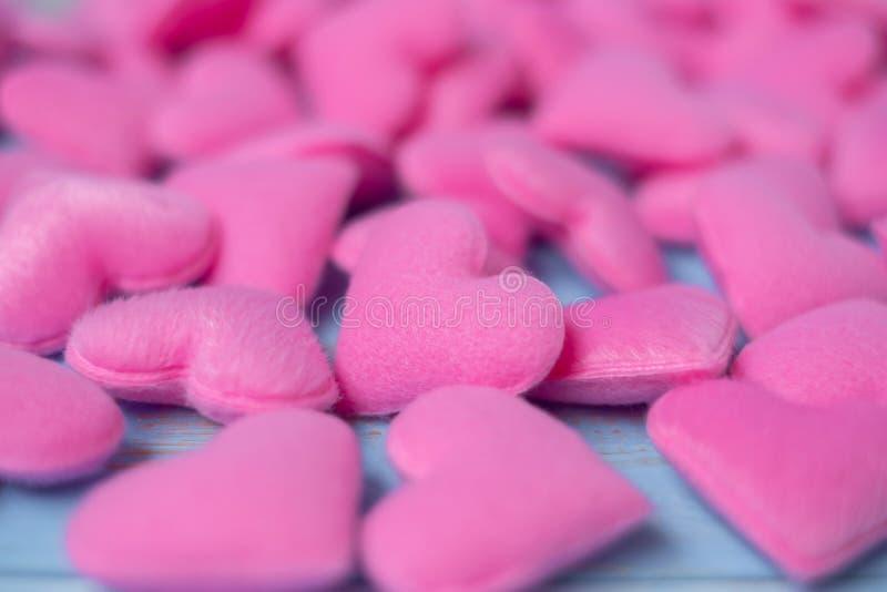 Rosa Herzform-Dekorationshintergrund Der Hochzeit, romantischen und glücklichen Tagesfeiertagskonzept Valentine' s der Liebe, lizenzfreie stockfotos