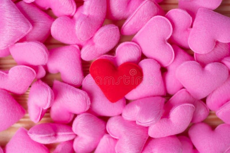 Rosa Herzform-Dekorationshintergrund Der Hochzeit, romantischen und glücklichen Tagesfeiertagskonzept Valentine' s der Liebe, stockfoto