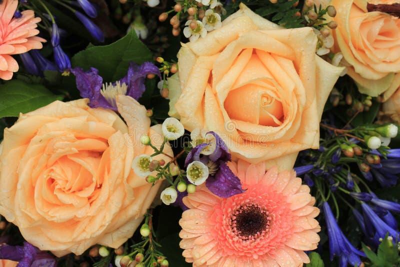 Rosa Hochzeitsblumen des Pfirsiches stockbilder