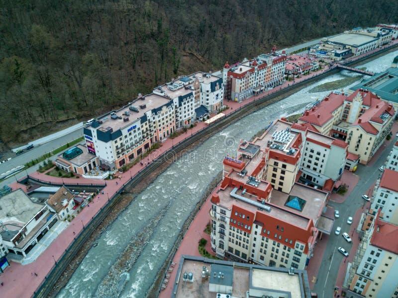 2017 04 Rosa Khutor, Sochi, Rosja: Widok z lotu ptaka miasto obraz stock