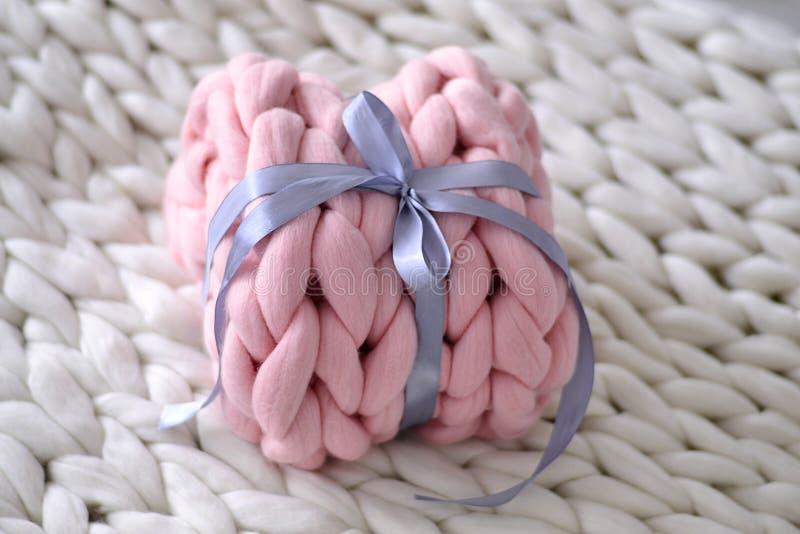 Rosa presente de la lana merina foto de archivo libre de regalías