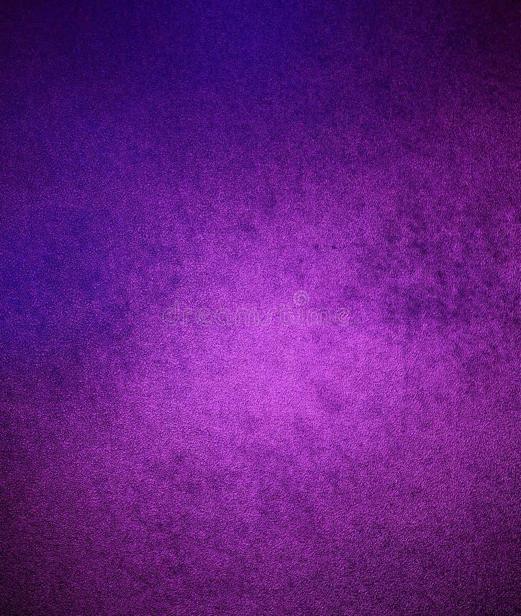 Rosa purpurroter Hintergrund, unordentliche Retro- Wand lizenzfreie stockfotos