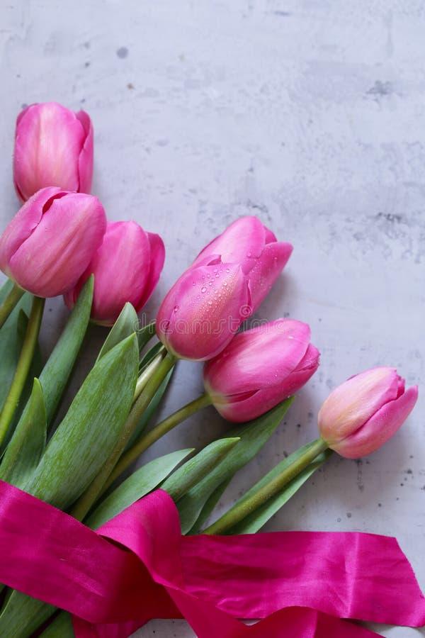 Rosa tulpanbukett för dekor royaltyfri fotografi
