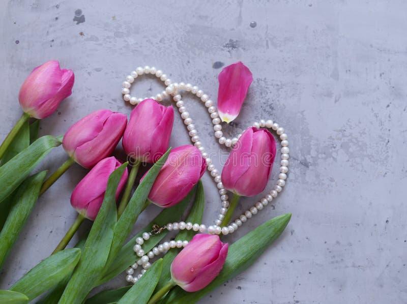 Rosa tulpanbukett för dekor royaltyfria foton