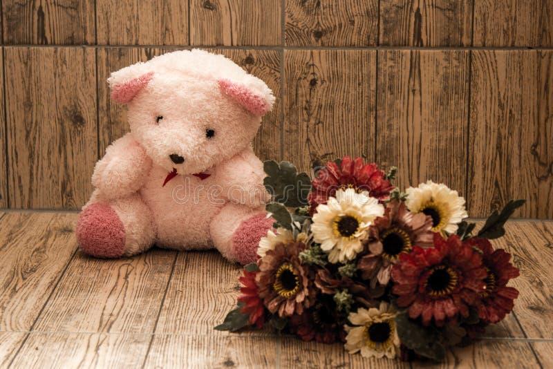 Rosa uno del oso imagenes de archivo