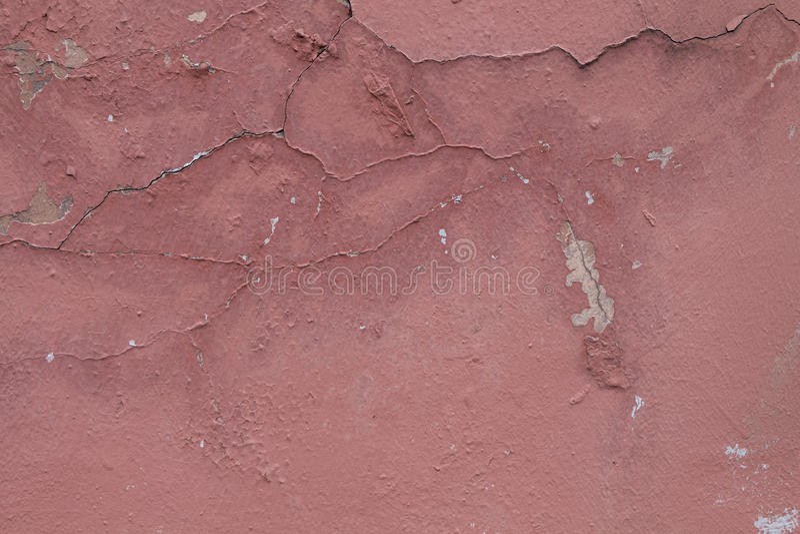 Rosa väggtextur med skalningsmålarfärg arkivbilder