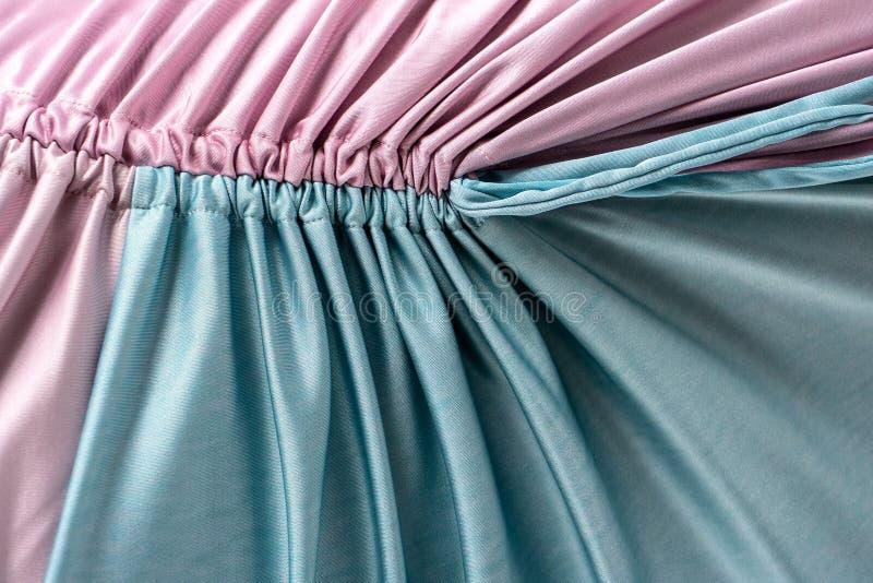 Rosa y paño con volantes cosido color de la turquesa imagen de archivo libre de regalías