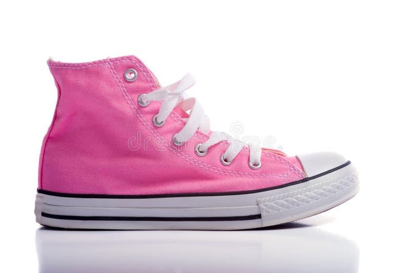 Rosafarbene Basketball-Schuhe stockfoto
