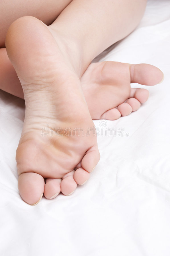 Rosafarbene bloße Füße stockfotos