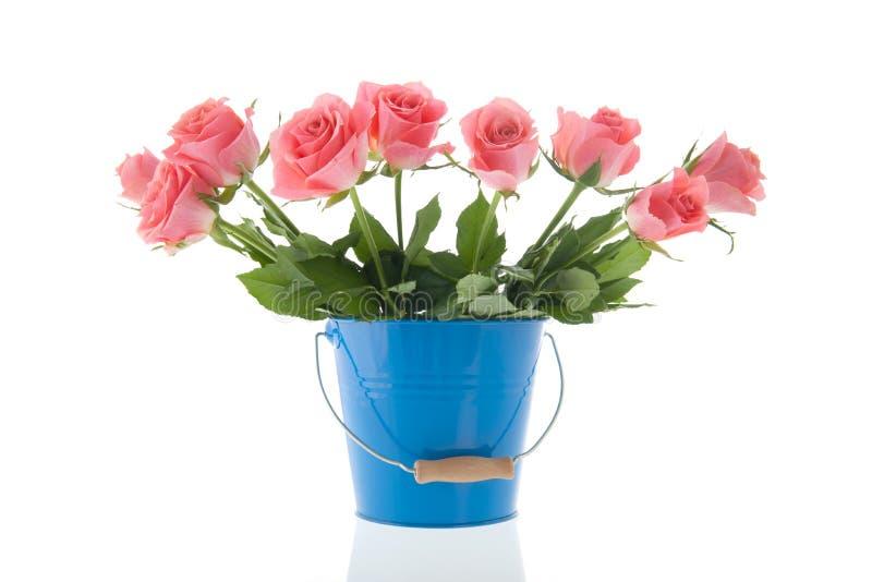 Rosafarbene Rosen des Blumenstraußes stockbilder