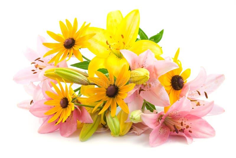 Rosafarbene und gelbe Blumen lizenzfreie stockbilder