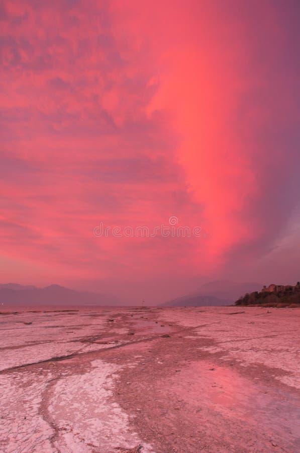 Rosafarbene Wolken lizenzfreies stockfoto