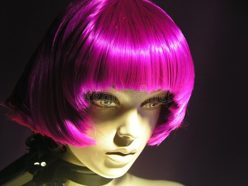 Rosafarbenes Haar des Mannequins stockfotos