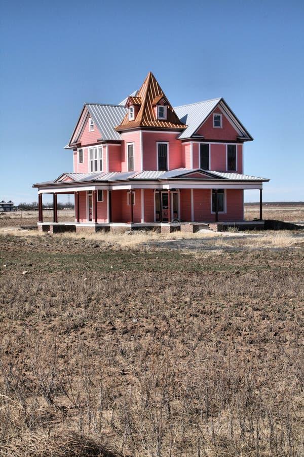 Rosafarbenes viktorianisches haus stockfoto bild von for Viktorianisches haus