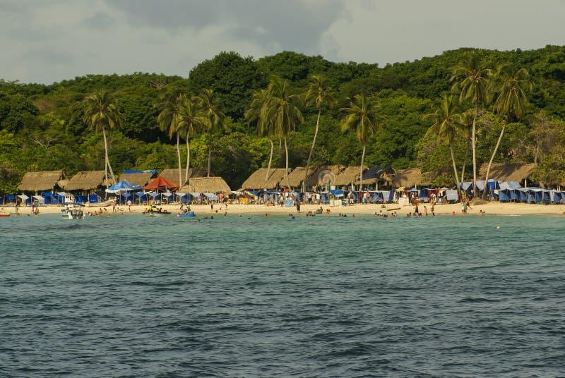 Rosario Islands är en skärgård som består av 27 öar som lokaliseras omkring två timmar av fartyget från Cartagena de Indias, Colom royaltyfri fotografi