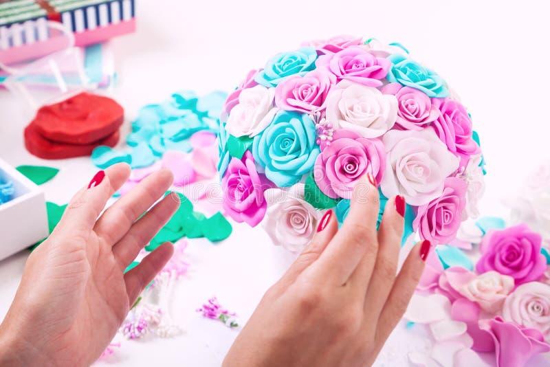 Rosas de las flores artificiales de la espuma foto de archivo libre de regalías