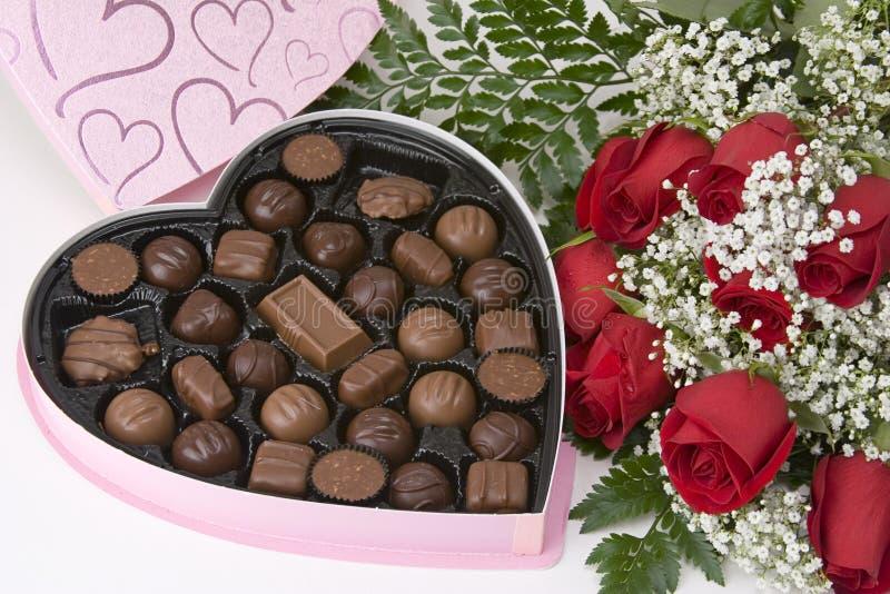 Rosas de los chocolates n fotografía de archivo libre de regalías