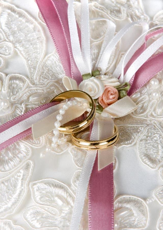 Rosas del satén fotografía de archivo libre de regalías