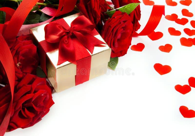 Rosas dos Valentim da arte e caixa de presente vermelhas imagens de stock royalty free