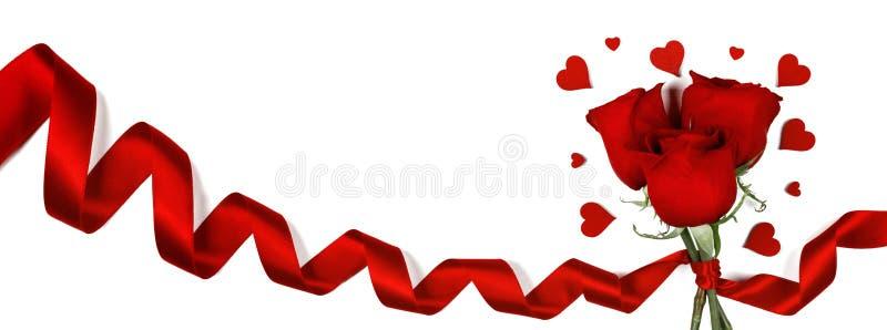 Rosas e corações no branco fotos de stock