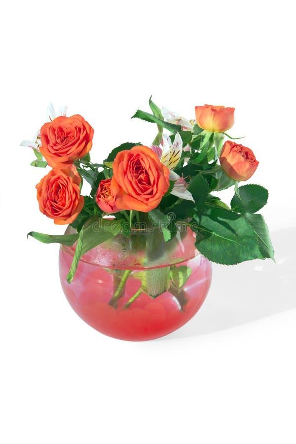 Rosas e lírios de tigre em um vaso imagem de stock royalty free