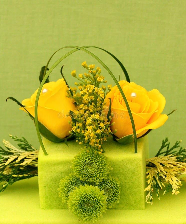Rosas e pérolas imagens de stock