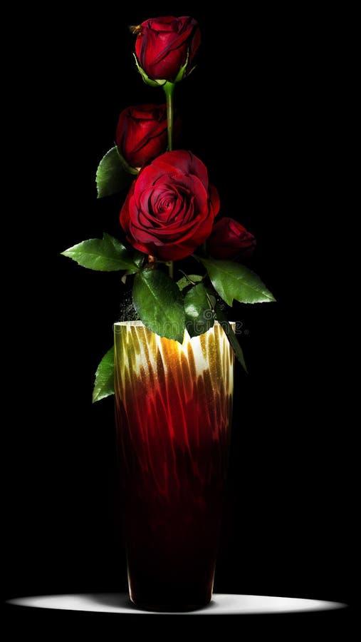 Rosas en florero imagenes de archivo