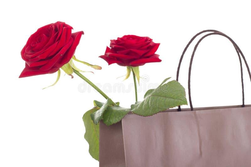 Rosas en un bolso foto de archivo libre de regalías