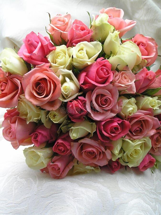 Rosas para a noiva imagens de stock royalty free
