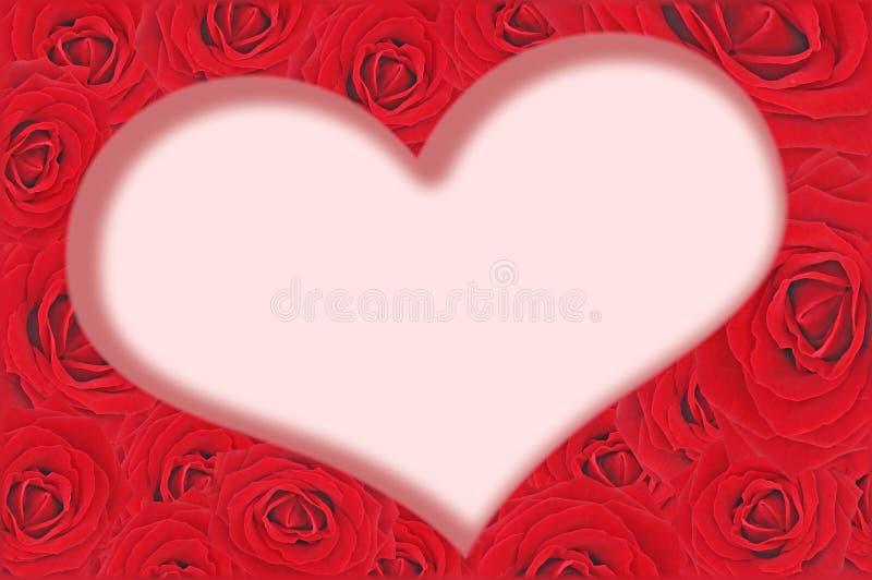Rosas y corazón rojos adentro imagen de archivo