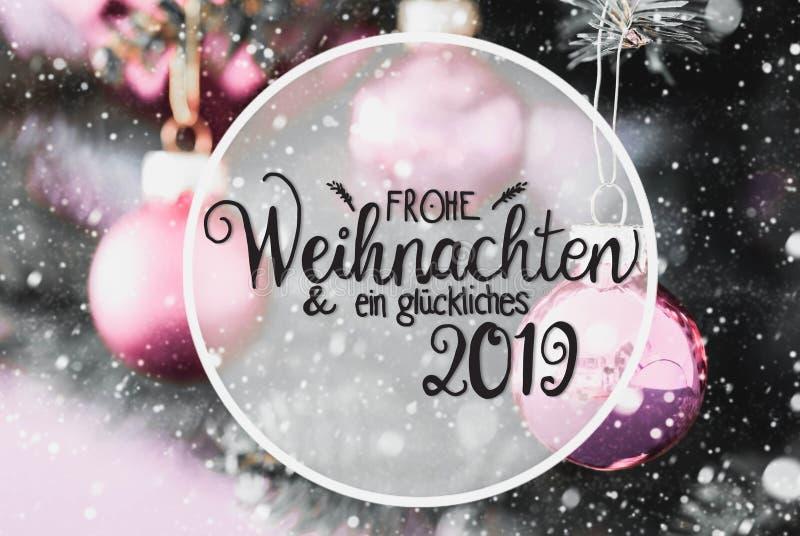 Rose Balls trouble, calligraphie Glueckliches 2019 moyens 2019 heureux, flocons de neige images libres de droits