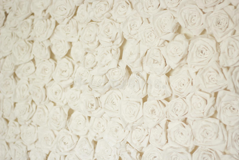 Rose bianche d'annata di carta fotografia stock