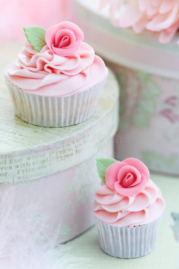 Rose cupcakes stock photography