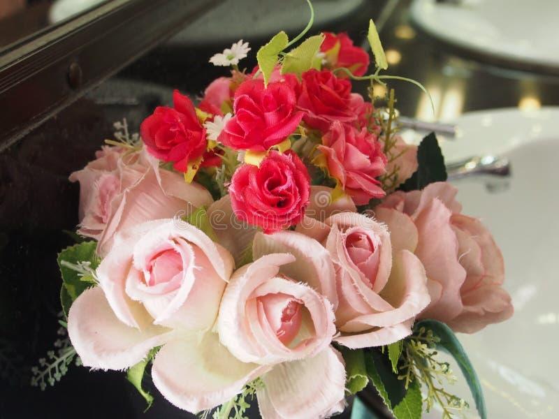 Rose de rouge et de rose image libre de droits