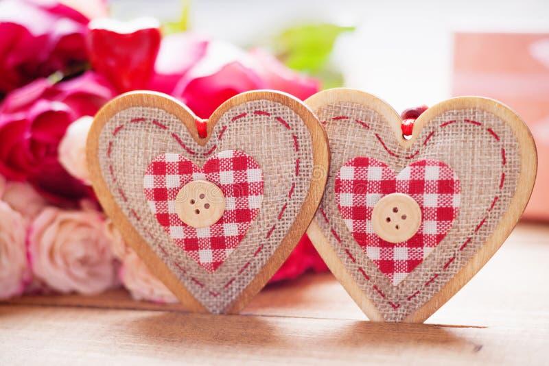 Rose e forme del cuore fotografia stock
