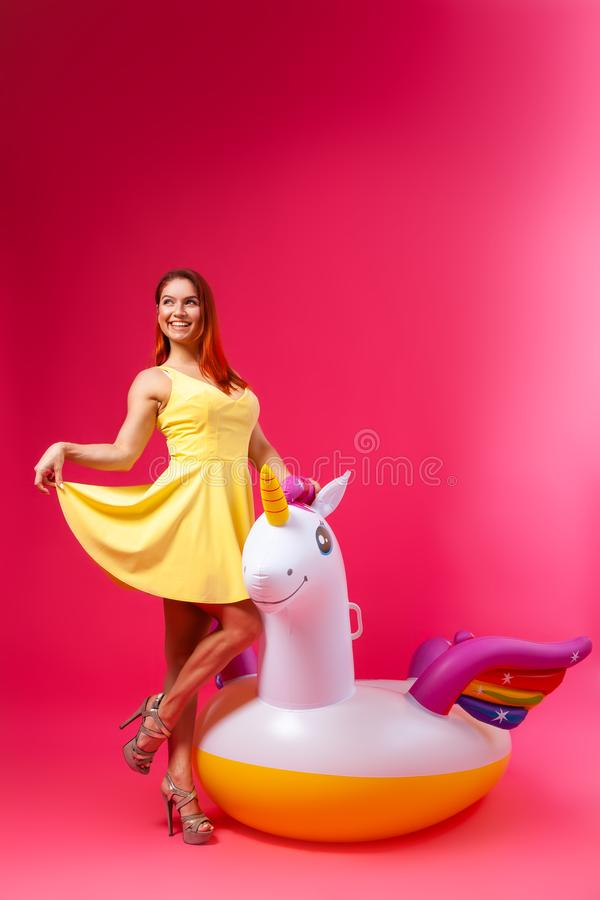 Rose et humeur joyeuse photo libre de droits