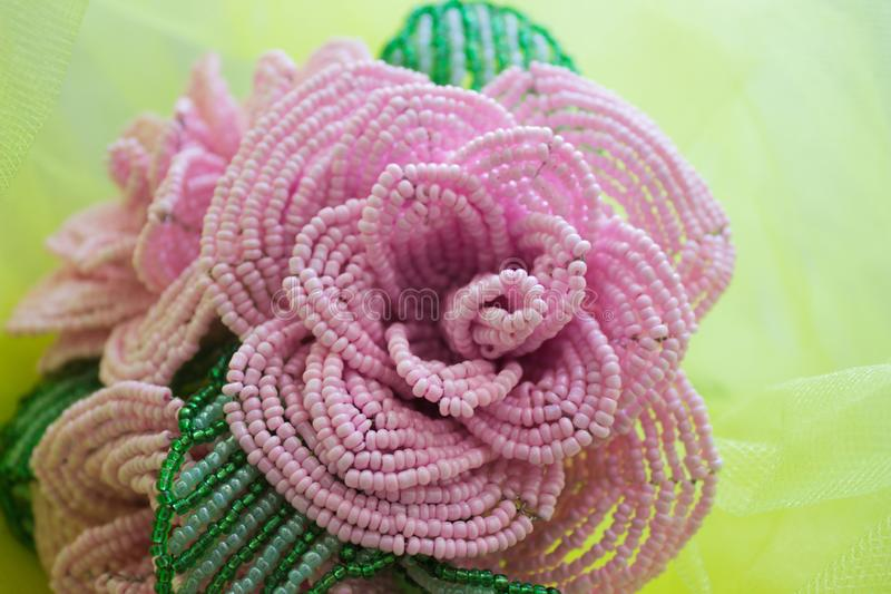 Rose a fait ? partir des perles, rose images stock