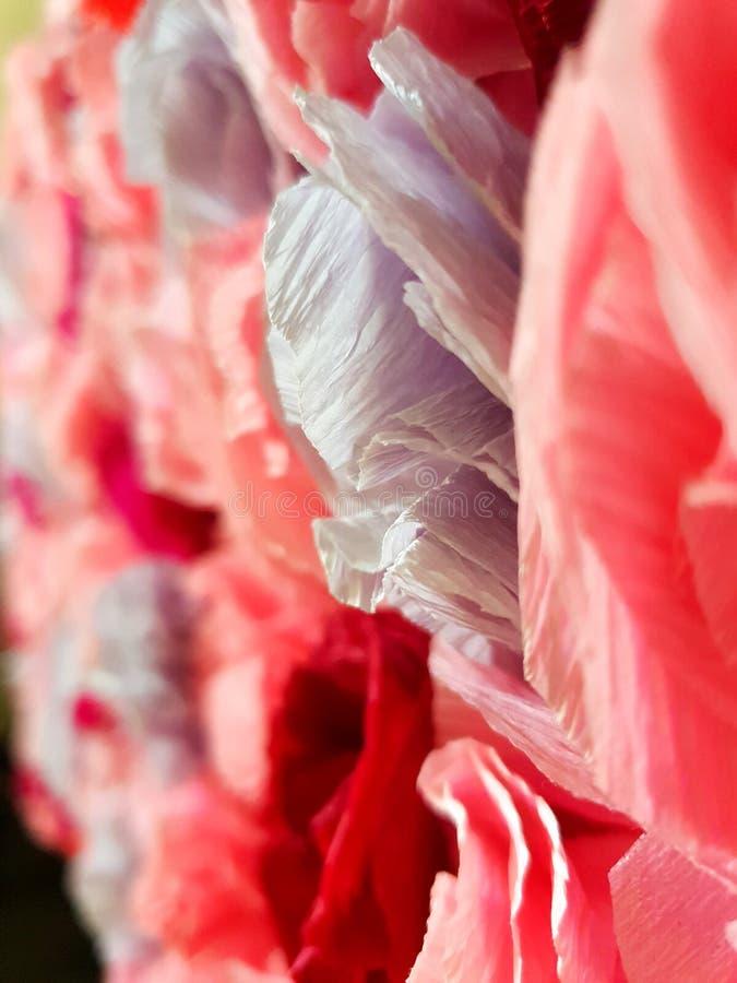Rose fatte di carta origami fotografia stock libera da diritti