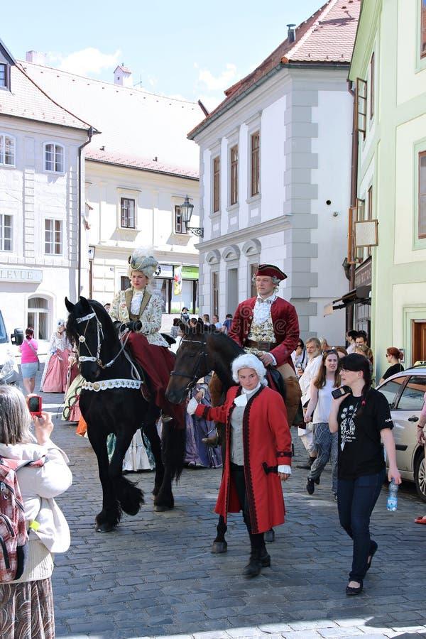 Rose Festival Cinco-petalada em Cesky Krumlov em República Checa foto de stock