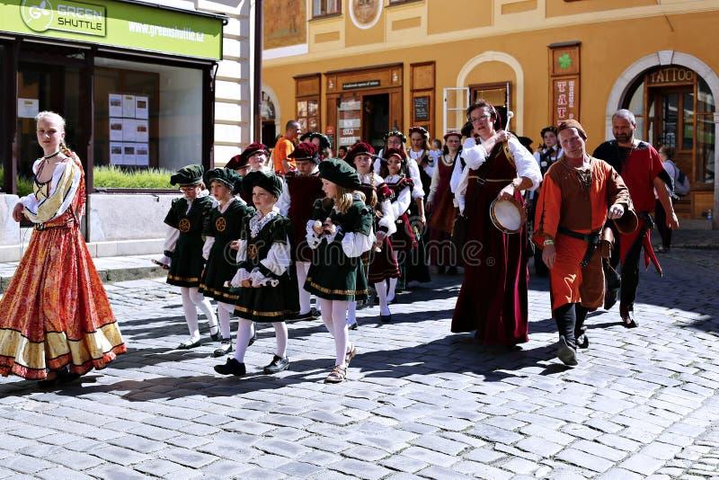 Rose Festival Cinco-petalada em Cesky Krumlov no Republ checo fotos de stock royalty free