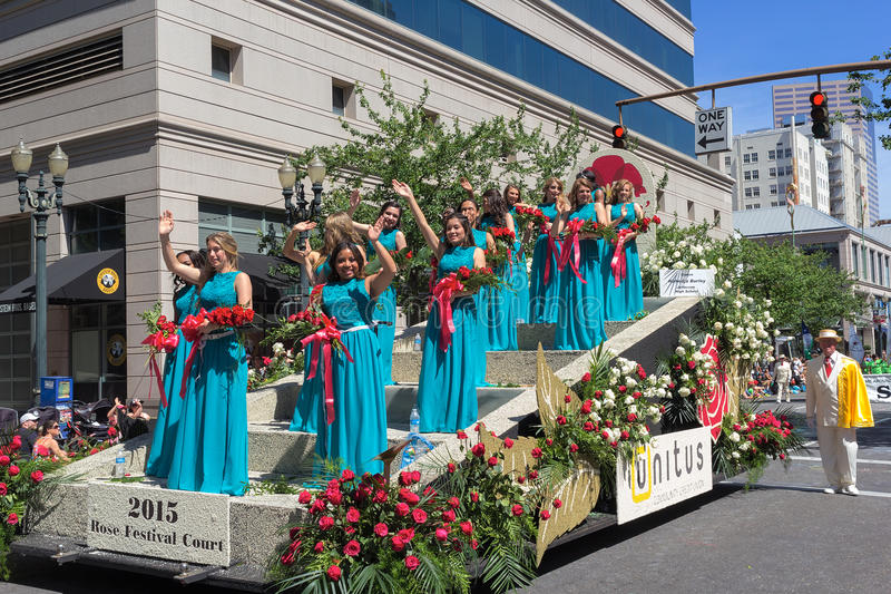 Rose Festival Court Crowned Queen 2015 et princesses images stock