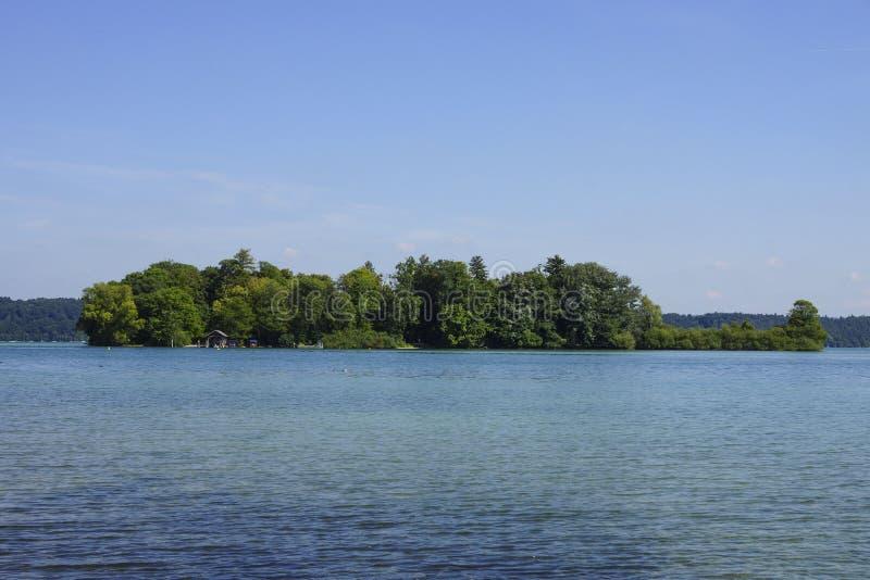 Rose Island in Meer Starnberg, Beieren royalty-vrije stock fotografie