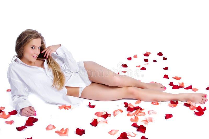 rose kvinna för petal royaltyfria foton