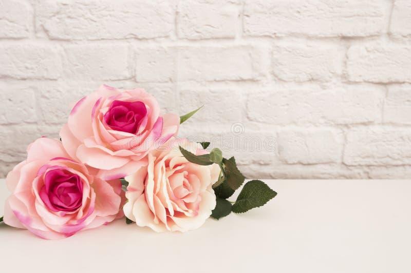 Rose Mock Up rose Photographie courante dénommée Moquerie dénommée florale de mur  Rose Flower Mockup, Valentine Mothers Day Card image libre de droits