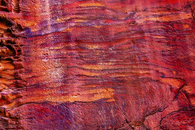 Rose Red Rock Tomb Abstract gata av fasader Petra Jordan arkivbild